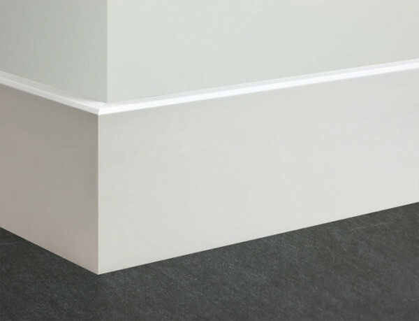 White high floor MDF plinth - a joint outer corner