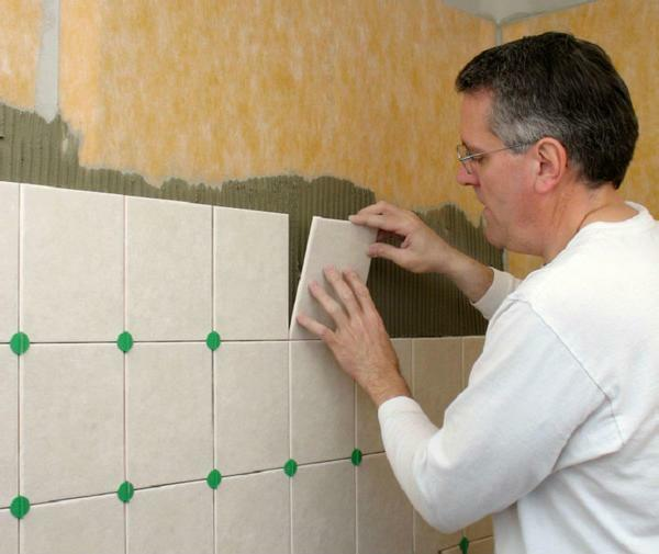 You can put the tiles on gypsum board yourself, if you first become acquainted with the nuances of the cladding process