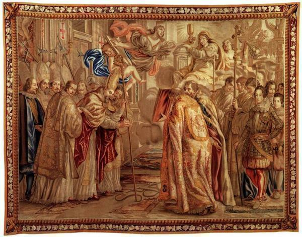 Since ancient times, the tapestry panel was considered a sign of wealth