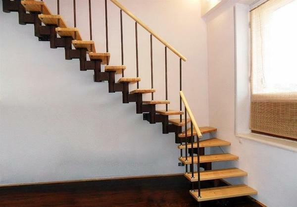 The simplest staircase: how to make a simple wooden structure, to the second floor with your own hands at home