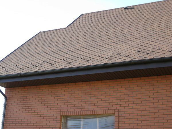 To avoid warping shingles, it is necessary to carry out the work in such a way as prescribed by the manufacturer's instructions