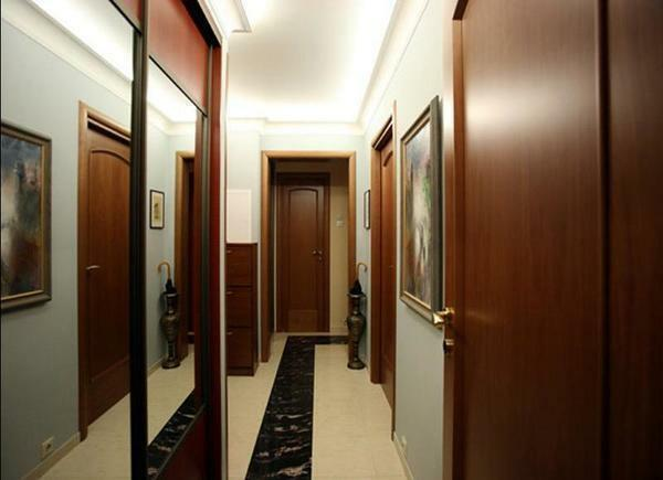 Thinking over the design of the hallway, consider all the nuances concerning the interior