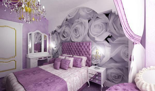 Many prefer to choose the lilac color for decoration, as this will help make the bedroom refined and interesting