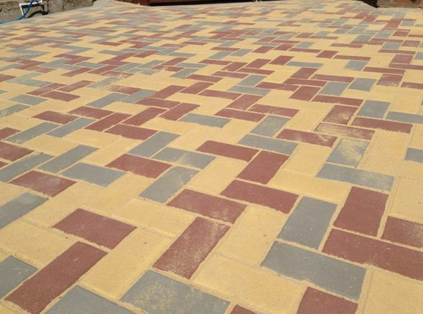 Polymer Pavement: a mixture of styling, installation instructions, videos and photos