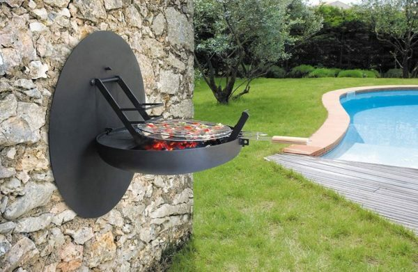 Folding Wall BBQ does not require a separate space on the site.