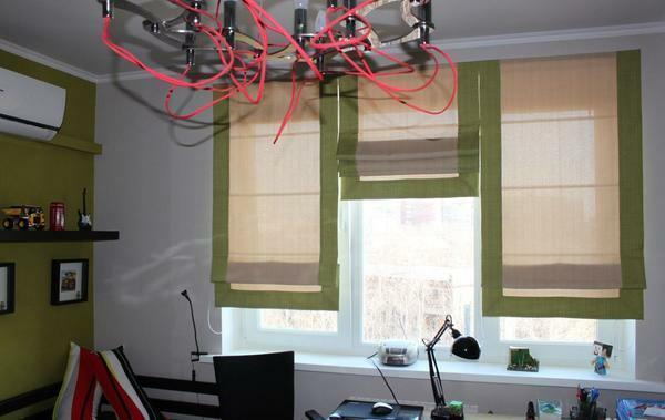 Among the advantages of Roman curtains is the wide variety of colors and shapes
