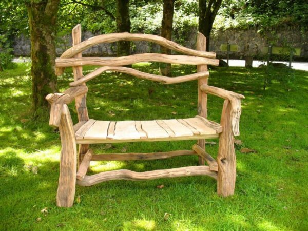Garden furniture, you can make out of materials that are always at hand
