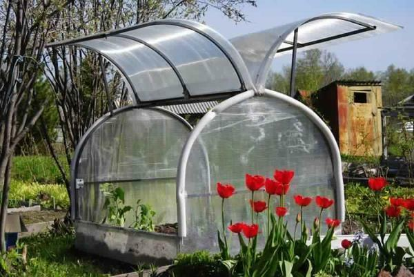 Install a greenhouse Butterfly is able to any dacha, for this even does not need any special tools - it
