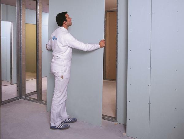 The installation of the door frame into the partition can be done with your own hands for reasons of economy, but it is better if professionals realize the task at hand