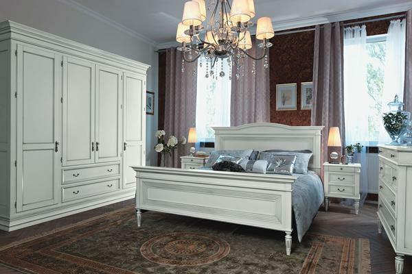Furniture made of beech, painted in white, fits perfectly into the interior of a classic bedroom