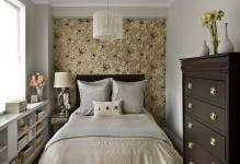 Bright-Flower-Wallpaper-for-Bedroom-with-Brown