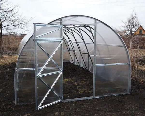 The greenhouse has no length limitation and is determined by the need of the buyer