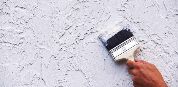Cement putty is characterized by moisture resistance, so it is suitable for wall finishing in both the kitchen and the bathroom