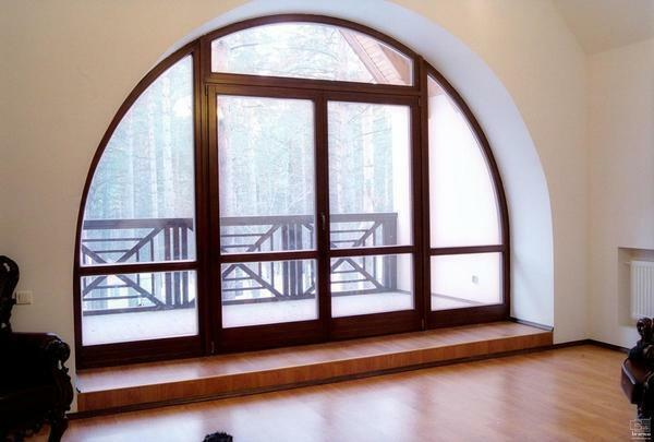 Curtains on the arched windows photo: semicircular eaves, blinds in the houses, decoration of the arch with curtains and curtains