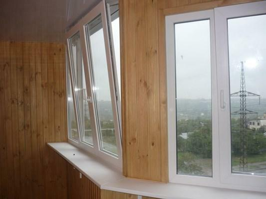 When arranging a balcony room, special attention should be paid to selecting suitable windows