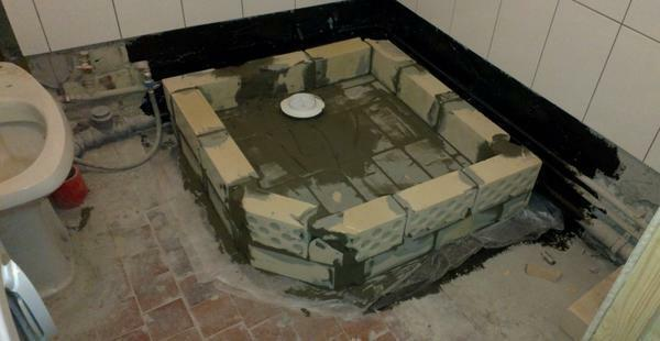 Shower cabin with your hands: photo, how to make a tile pallet, homemade design, video, from the tile shower