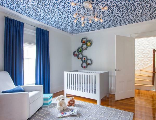 To design the room was harmonious, you should carefully select wallpaper, combining them with other objects
