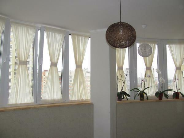 How to hang curtains: beautifully on the ceiling cornice and without it, fringe how to hang properly on the interior arch