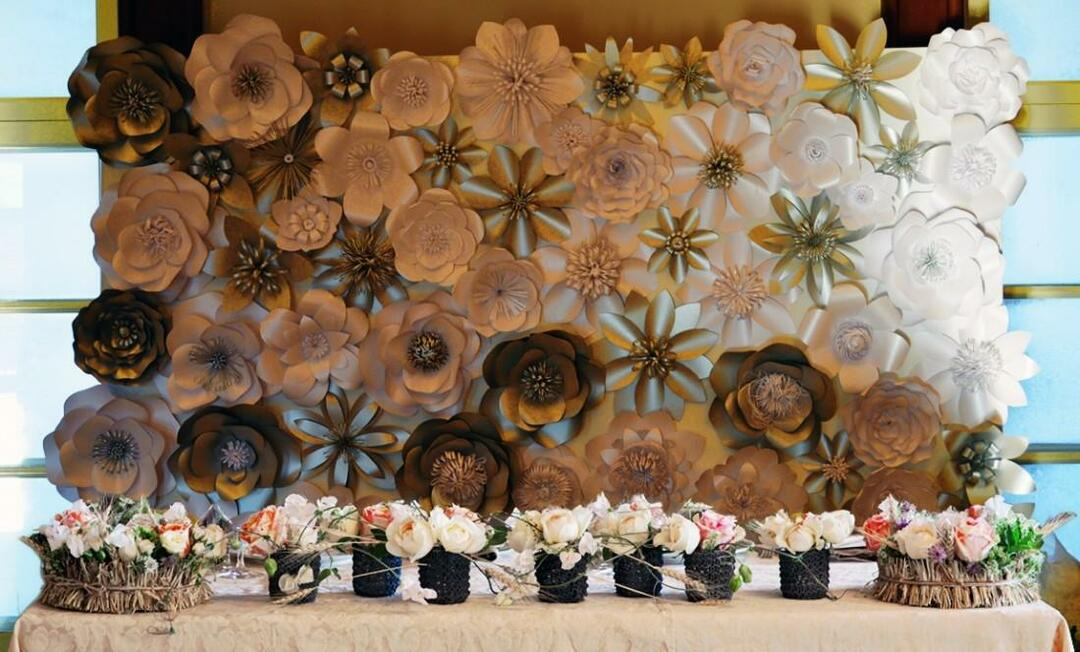 Paper flowers for decoration of the hall: large for decoration with their own hands, pompons made of paper, master class