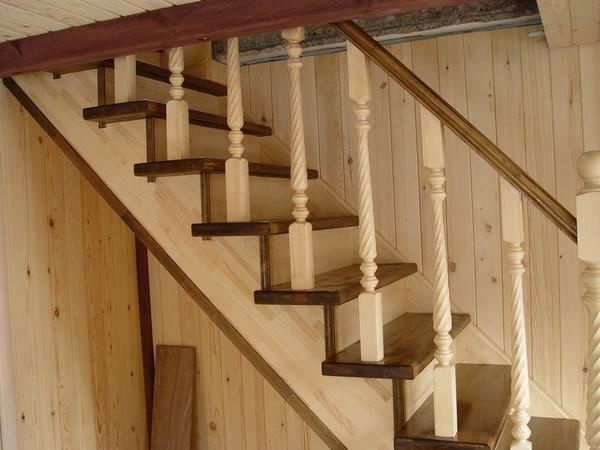 It is not recommended to buy too cheap wooden staircases, since they can be unsafe