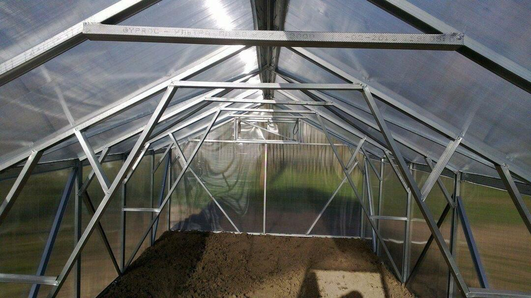 Greenhouse from the metal profile with their own hands: aluminum drawings, a metal greenhouse how to make of polycarbonate
