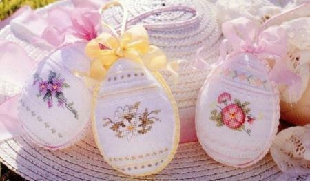 The original symbolic embroidery will not only surprise others, but will also give joyful emotions