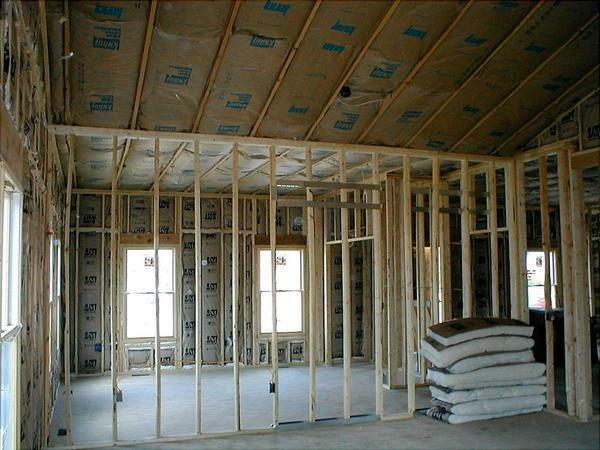 Before fixing the plasterboard to the wall in a wooden structure, it is necessary to fully prepare the room