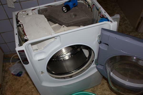 To disassemble the washing machine, it is worthwhile to familiarize yourself with its design