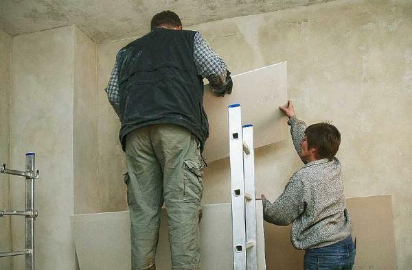 You can install the structure of gypsum board yourself, the main thing is to prepare the necessary materials in advance and to study the advice of specialists