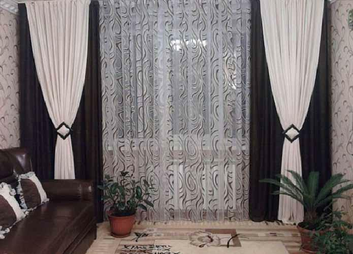 Curtains in the hall: the design of curtains and curtains, beautiful drapes, novelties on the windows, repairs, real photos and pictures