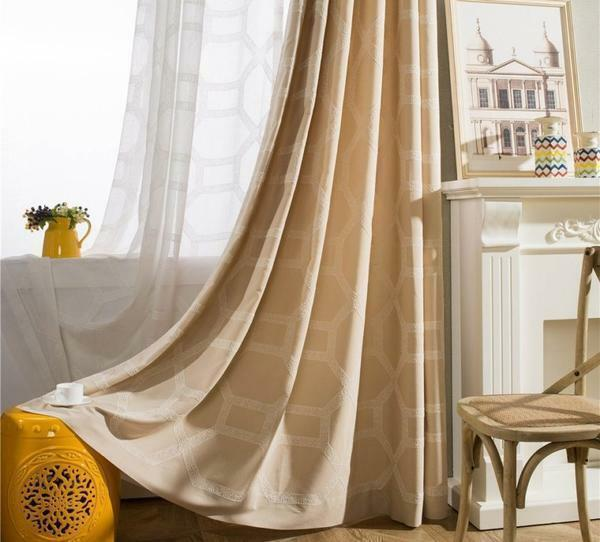 Beige curtains: photo in the interior of the living room, color of cappuccino in the bedroom, curtains in brown tones with beige, drapes