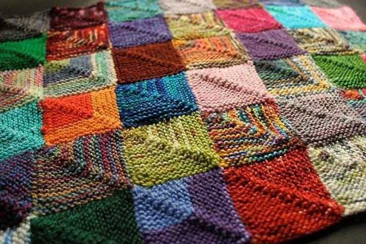 Crochet crochet in patchwork style: patchwork and sirloin, stylish plaid scheme, video for beginners, mat