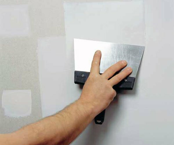 Plaster drywall under the wallpaper: how to make material handling, taping