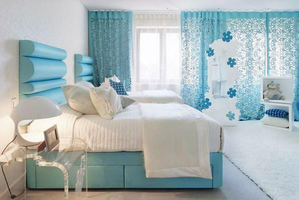 The minus of the blue bedroom is that the interior of the room seems quite simple and not modern