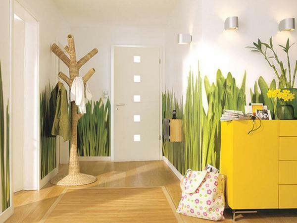 Photo wallpapers in the hallway will look pretty interesting and help make a wonderful room design