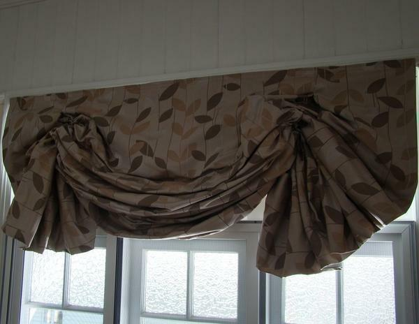 London curtains can fold and let sunlight in the room