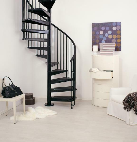 The advantages of the iron ladder is that it is not only safe and practical, but also looks impressive in the interior