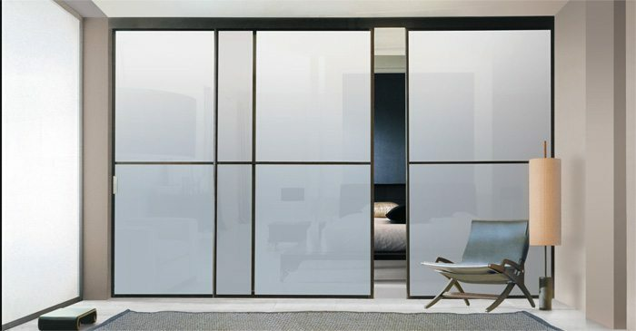 Sliding partitions for the zoning of the space in the room: user choice, videos and photos