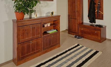 Furniture made of solid wood makes the entrance hall cozy and gives it high prices