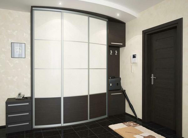 Sliding wardrobes in the corridor: photo and design, how to make yourself, entrance hall with pantry, niche long 3 meters, common