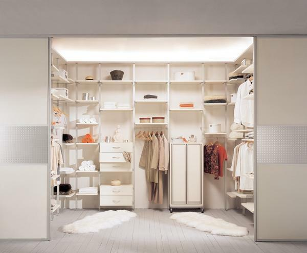 If the dressing room is small, it is recommended to decorate it in light colors