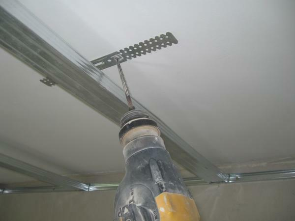 In order to produce a quality installation of drywall on the wall, it is better to seek the help of specialists