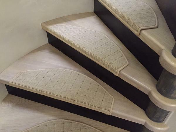 The steps of the stairs: carpet cover, anti-slip size, carpet width and dimensions