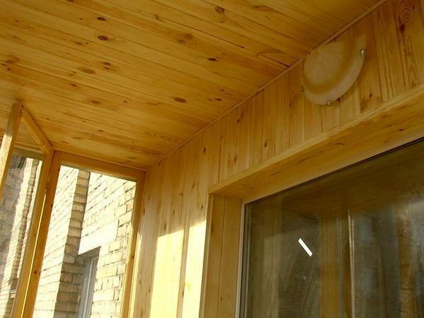 Previously, for finishing the ceilings on the balconies used wood