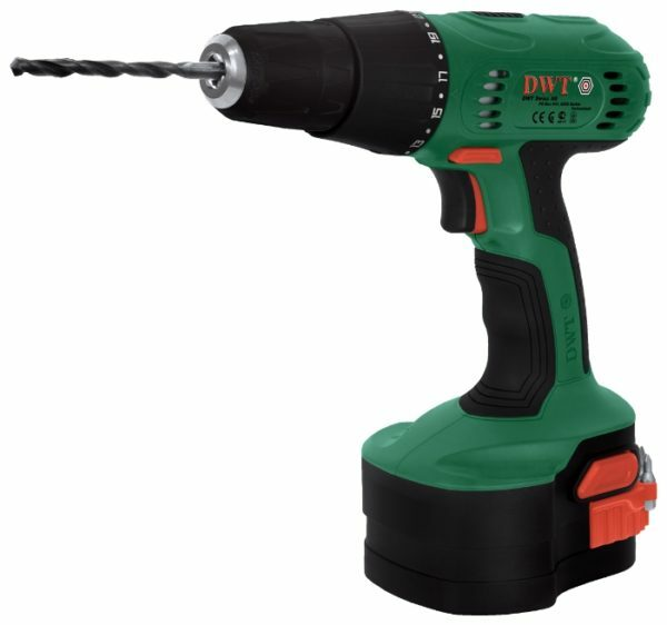 Screwdriver copes well with drilling wood