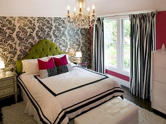 design curtains for the bedroom should be in harmony with the finish