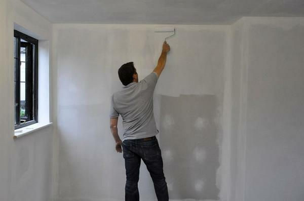 The primer layer will also protect the surface of the decorative walls from possible dampness