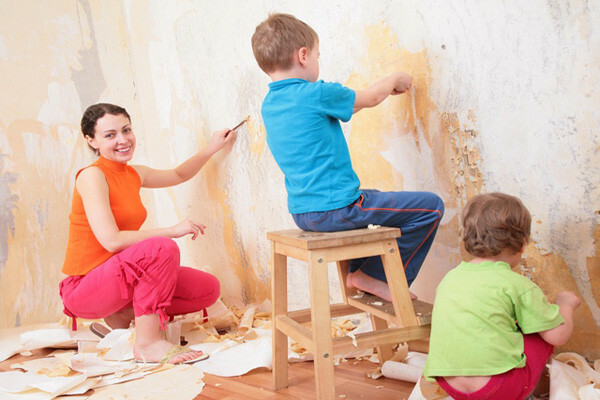 Remove wallpaper with family