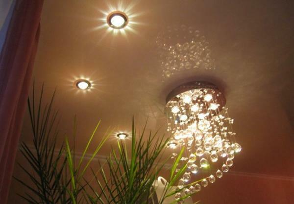Installation of lighting on the ceiling: in a room 4 m high, how to fix the incandescent lamp, how to hang and install the fastener, how to make the lighting yourself