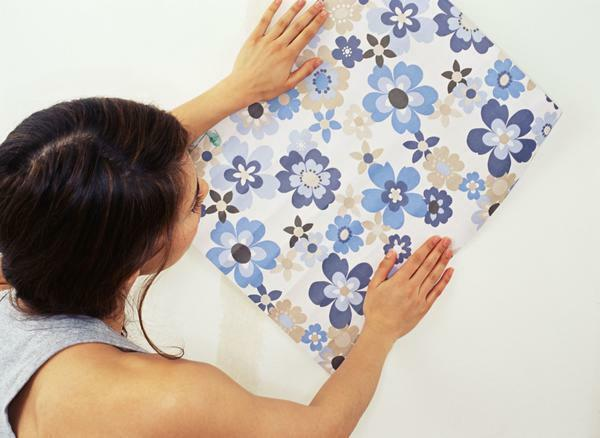 When choosing wallpaper, you need to carefully study the properties and characteristics of each type of wall covering